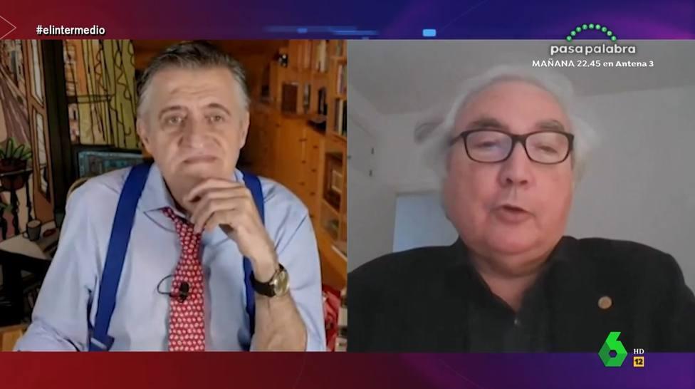 El ministro Manuel Castells apuesta por la intervención de las redes sociales y provoca la denuncia de Vox