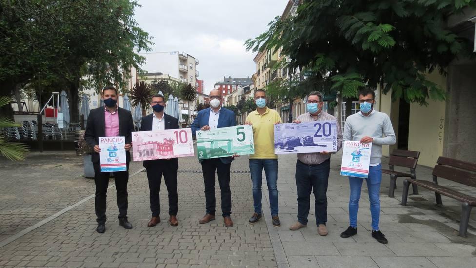 Presentación de la segunda edición de la campaña Pancha, a nosa moeda local en las calles de Ribadeo