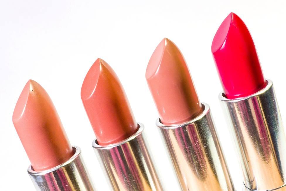 ctv-mtq-lipstick-1137536 1920