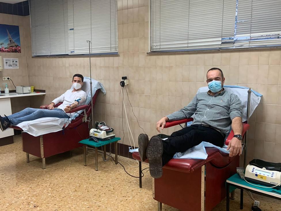 Manolo y Jaime fueron los primeros donantes de sangre en este 2021