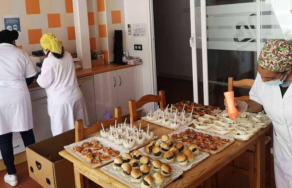 El Corte Inglés dona alimentos a Cáritas Diocesana de Huelva