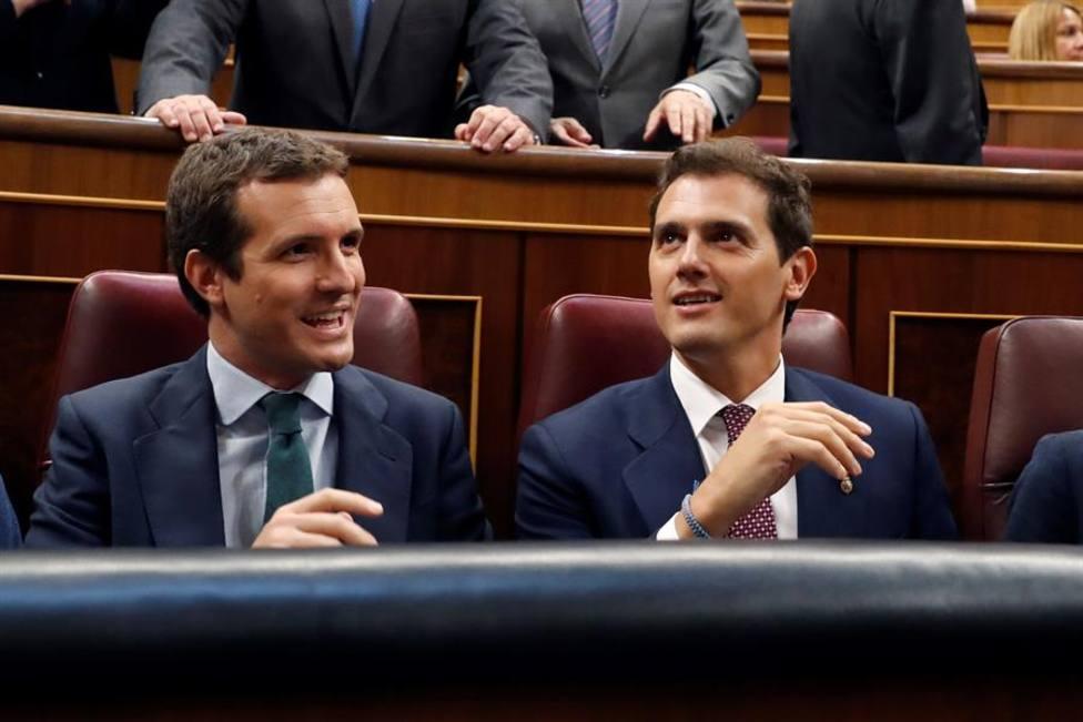 Rivera y Casado negocian una reunificación de Cs y PP