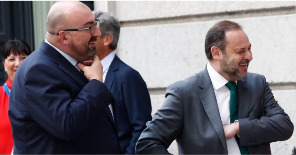 El ministro Ábalos y Koldo García en una imagen de archivo. Foto ABC