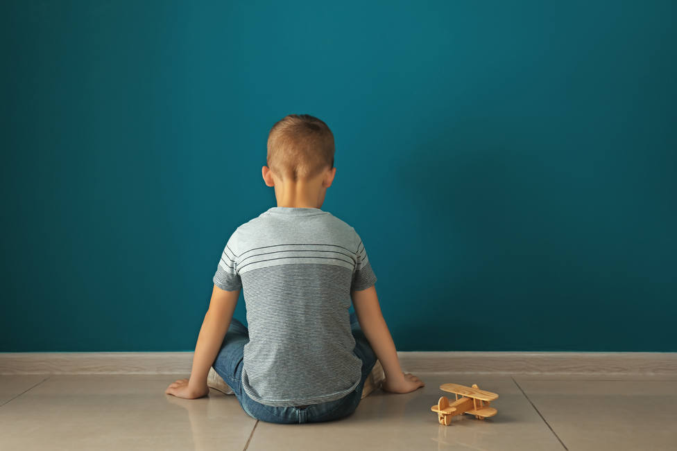 La Generalitat no abona la beca de un niño autista que sí percibía en Galicia