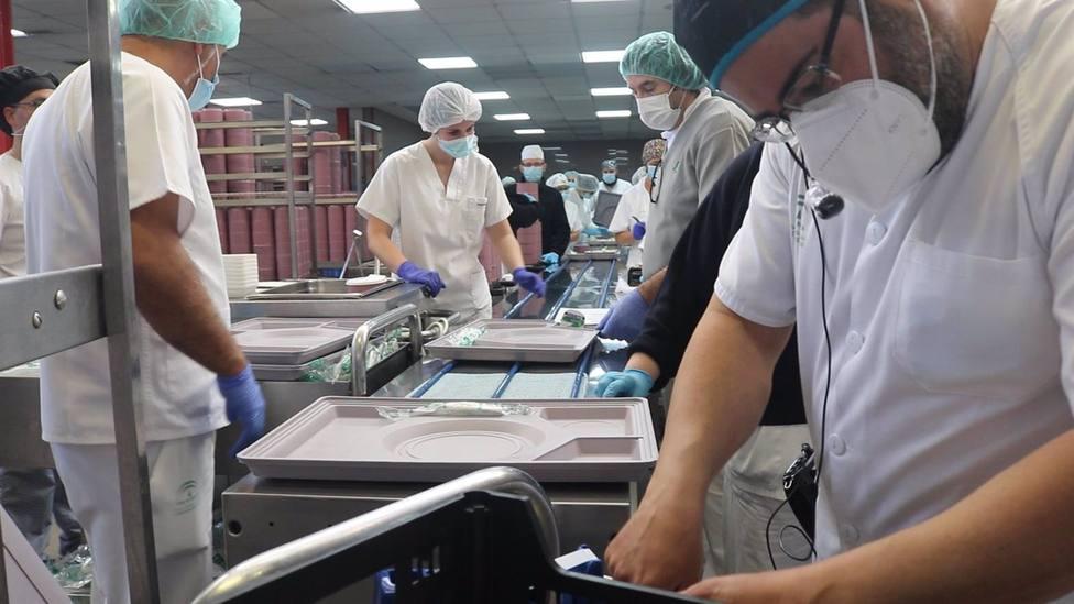 Sevilla.- La cocina central del Hospital Virgen del Rocío cumple 25 años