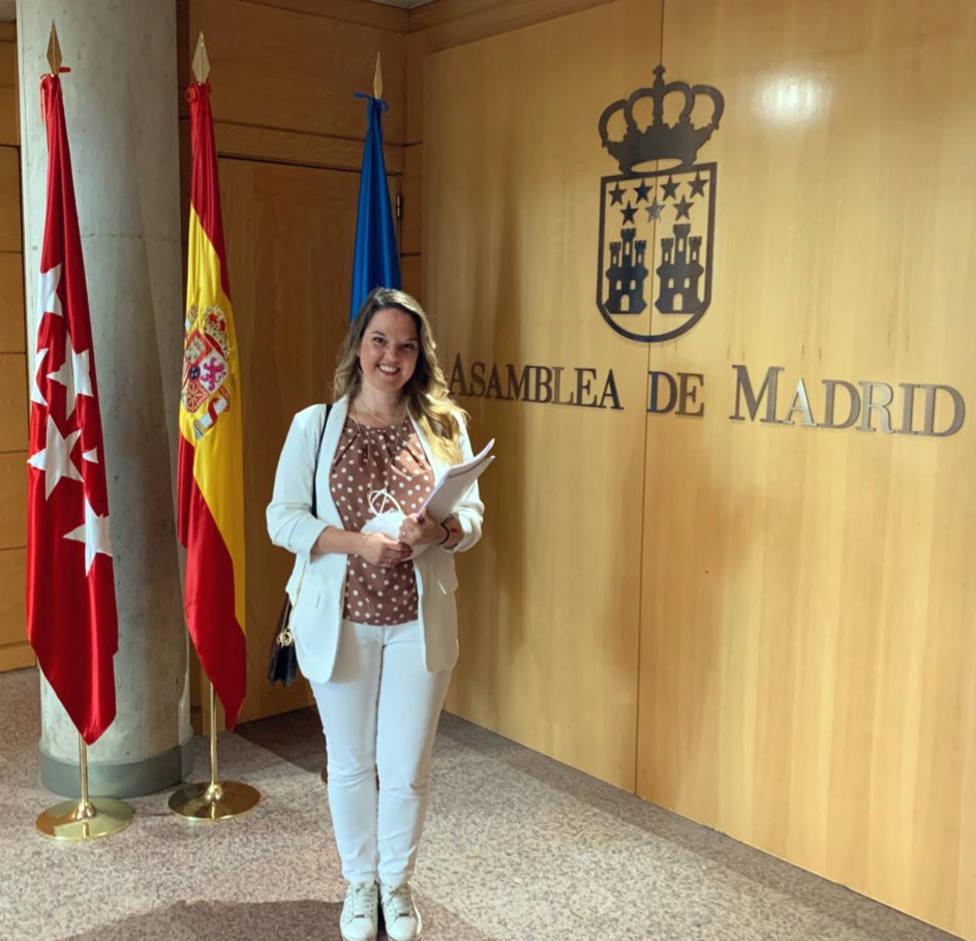 Carla Greciano, concejal del PP en Galapagar, recoge su acta como diputada de la Asamblea de Madrid