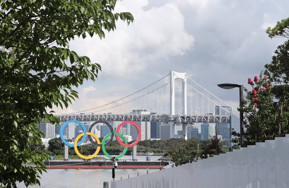 Monumento de los aros olímpicos en Japón.