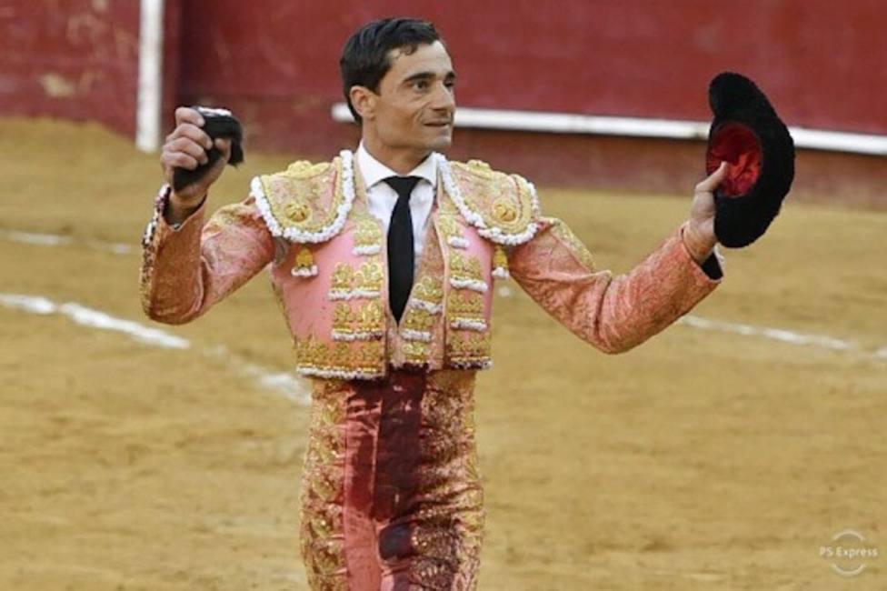 Paco Ureña dona al Club Taurino de Lorca sus honorarios del festival del 2 de mayo en Madrid