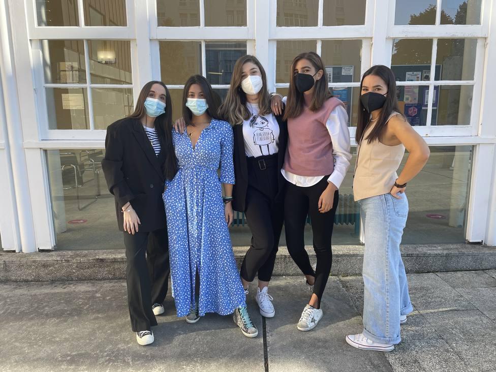 Alumnas del cuarto curso del grado en Gestión Industrial de la Moda. FOTO:UDC