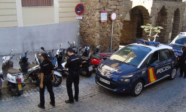 Dos detenidos tras atropellar a tres personas en Casetas (Zaragoza) y huir