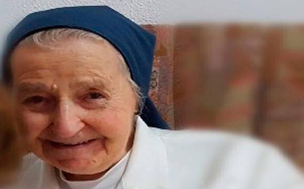 Extremadura premia a Sor Cristina, una monja de 94 años dedicada a los pobres