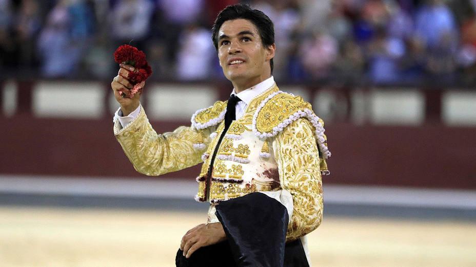 Pablo Aguado con la oreja cortada este viernes en su confirmación en Las Ventas