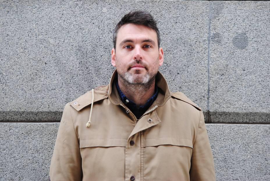 Daniel Jiménez mata a Ray Loriga en su nueva novela: Hay que agitar el ambiente literario