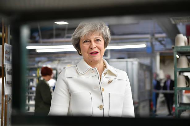 May avisa del riesgo de que no haya Brexit en caso de parálisis parlamentaria