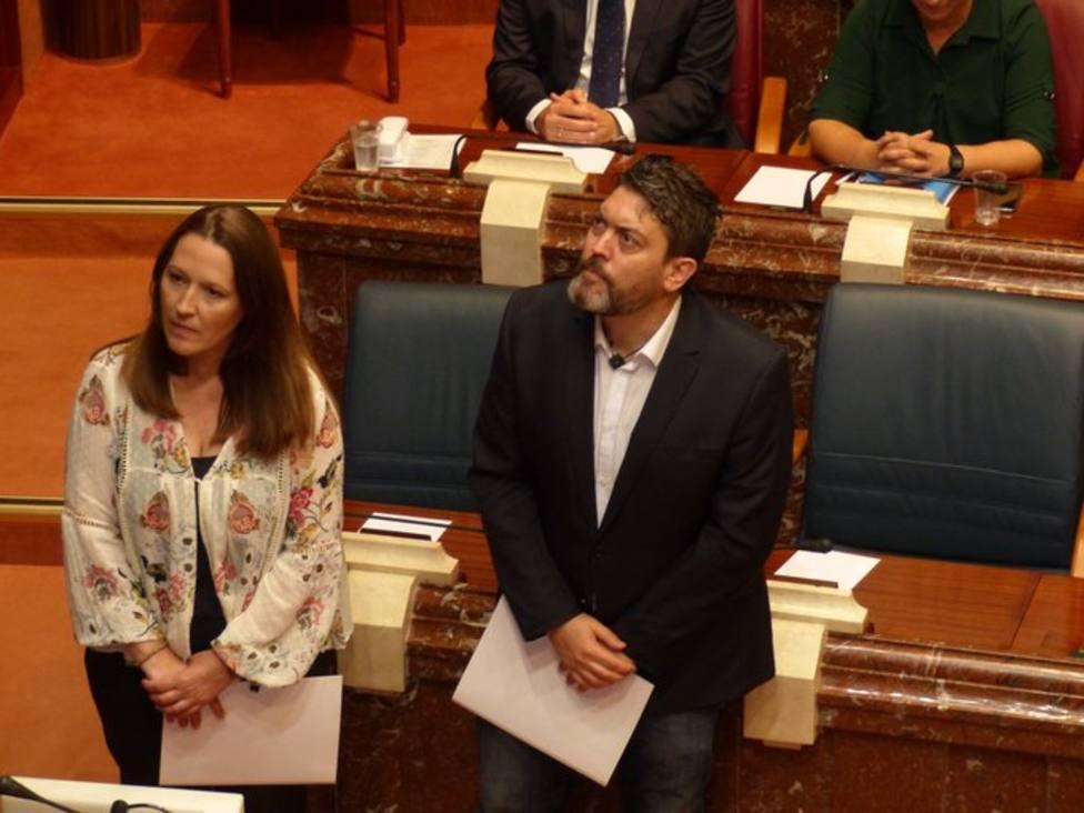 La Asamblea designa senadores autonómicos a Miguel Sánchez y Lourdes Retuerto