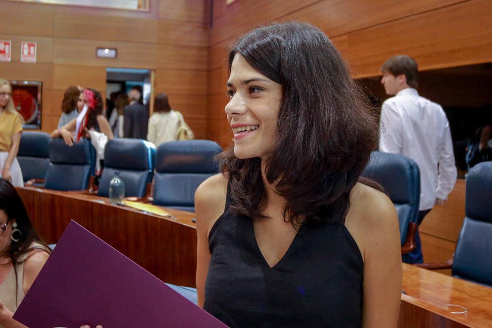 Isa Serra tilda de muy viejo el discurso de Ayuso y asegura que se ha reído de los madrileños al hablar de corrupción