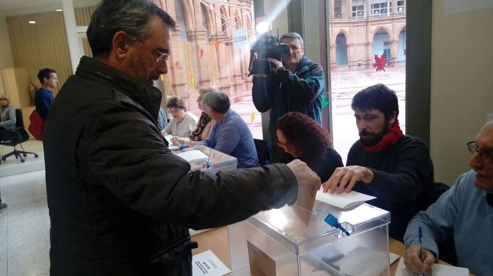 Manuel Cruz (PSC) pide que la jornada transcurra sin incidentes y anima a votar