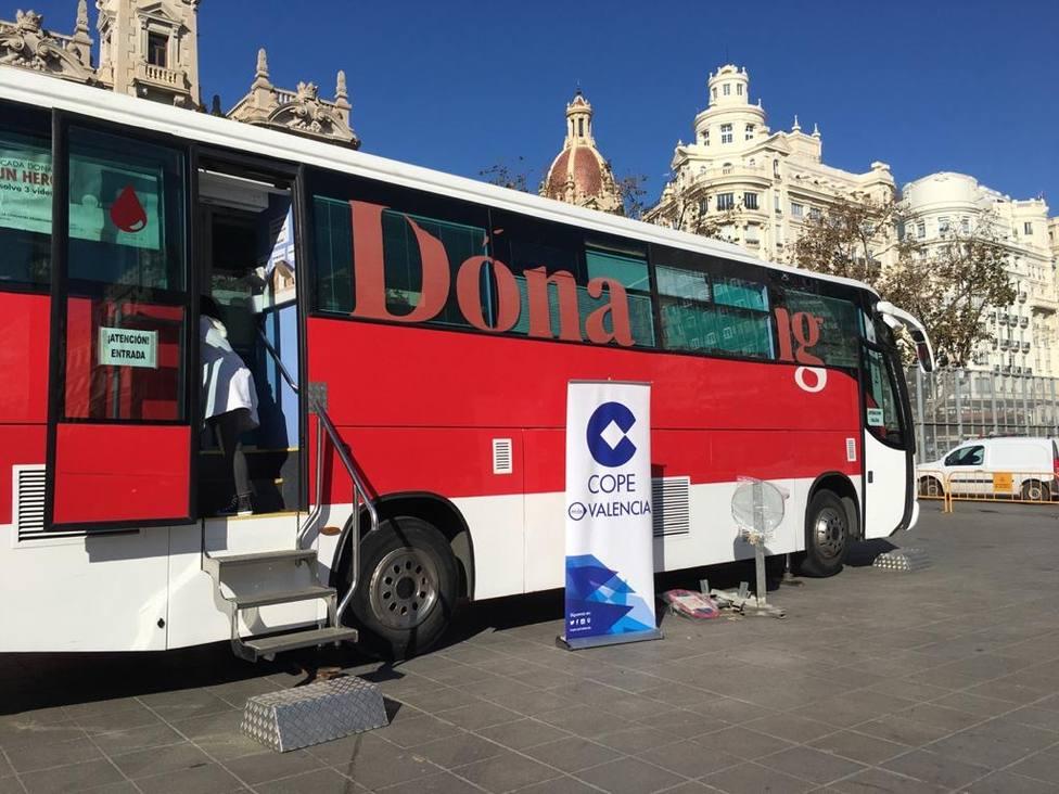 Dona sangre con Cope València