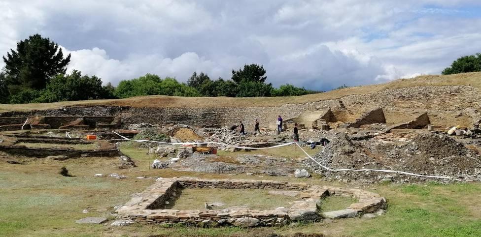 La directora de Viladonga destaca el valor de la pieza de 2.300 años hallada en el castro
