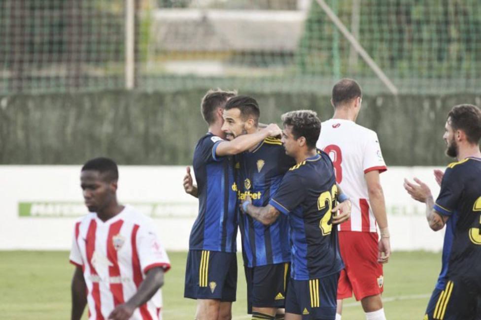 El Getafe se lleva la victoria gracias a Mata; Cádiz y Almería no pasan del empate en el estreno de Negredo