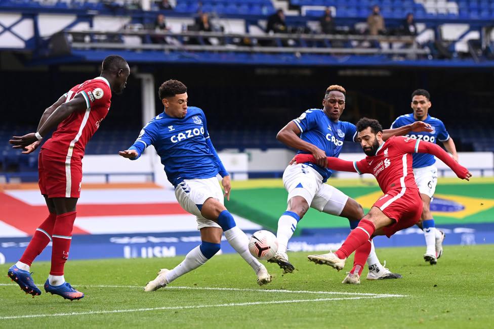 Everton y Liverpool firman tablas en el derbi de Merseyside