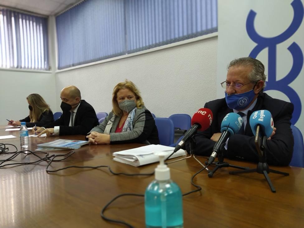 Empresarios, colegios oficiales y colectivos vecinales, denuncian el retarso de los proyectos para Cartagena
