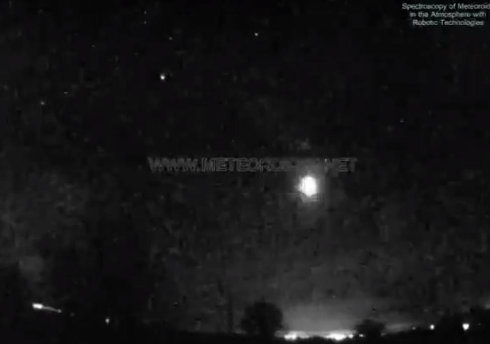 Detectan una gran bola de fuego en el cielo de Madrid: entró en la atmósfera a 126 mil km/hora