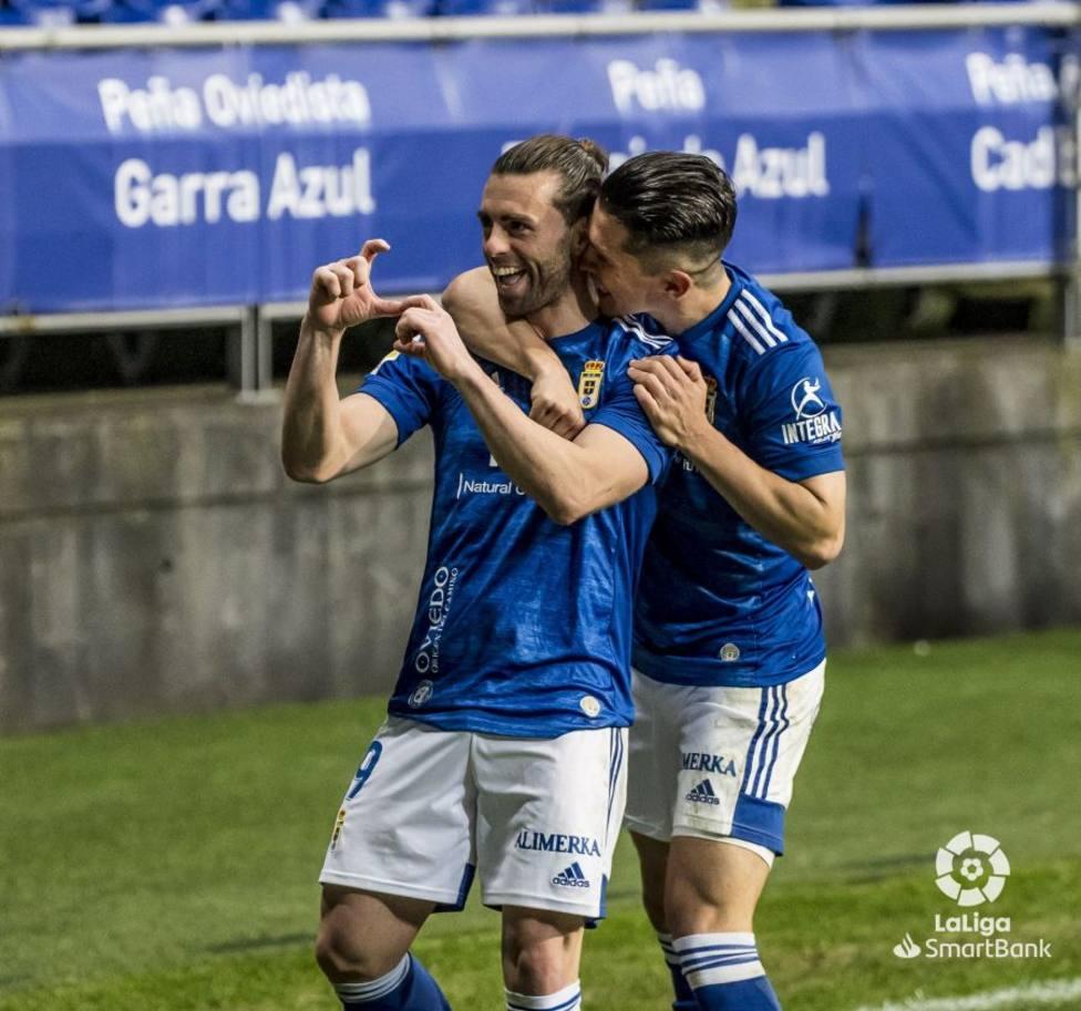 Rodri Ríos festeja su gol junto a Nahuel Leiva