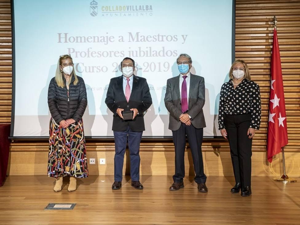 Collado Villalba rinde homenaje a los docentes jubilados