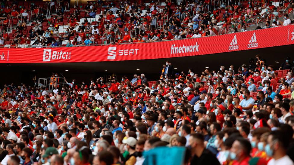 Imagen de la grada del estadio La Cartuja, durante un partido de la Selección Española. EFE