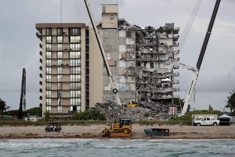 Aumentan a 95 los muertos en el derrumbe del edificio de Miami