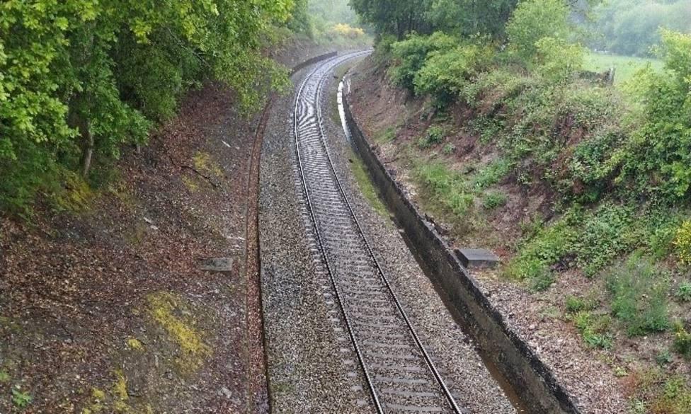 Vía ferroviaria entre Monforte de Lemos y Lugo