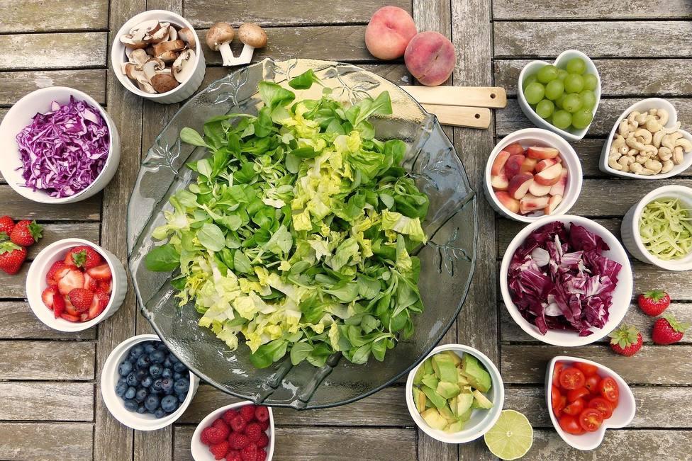 ctv-ygb-salad-2756467 1920