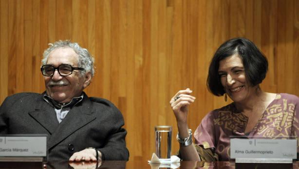 Gabriel Garcia Marquez junto a Alma Guillermoprieto