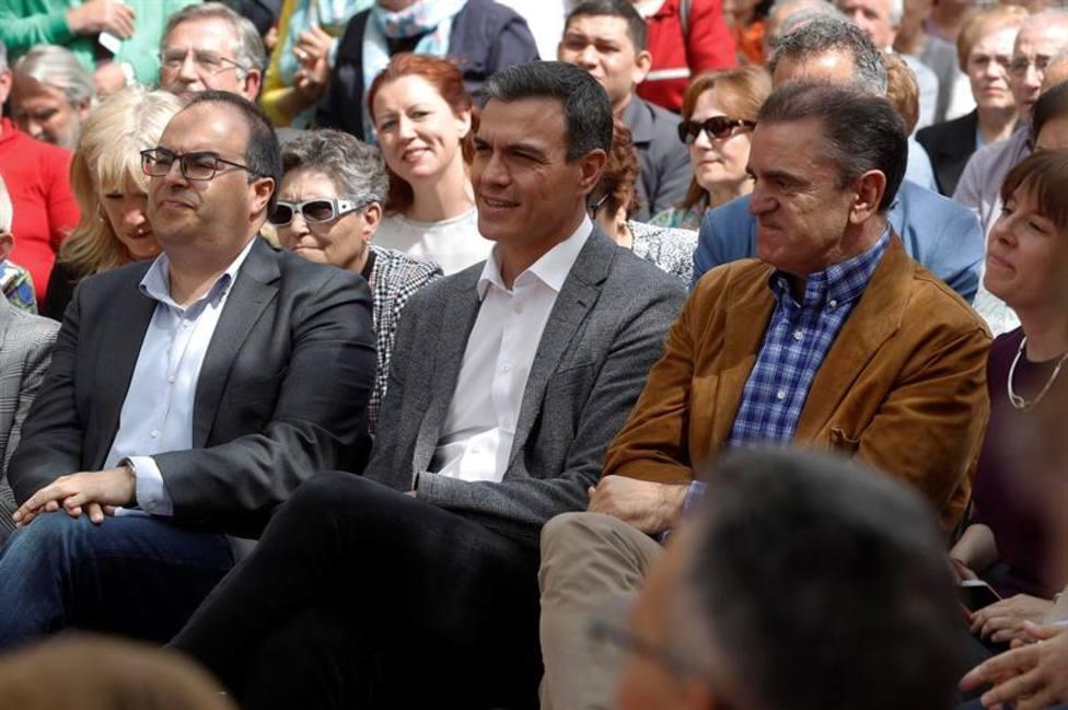 El PSOE promete un ingreso vital de hasta 858 euros mensuales en 2023