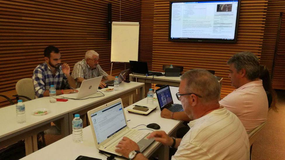 Varios de los colaboradores del proyecto Wikitauro en Granada