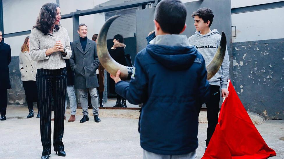 Carballedo también ha estado con los alumnos de la Escuela José Cubero Yiyo durante su visita a Las Ventas