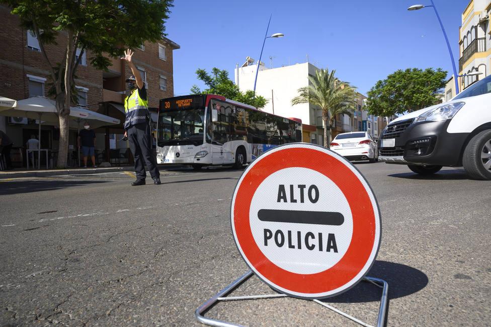 Una disputa por el alquiler de una habitación acaba a puñaladas en el barrio almeriense de El Zapillo