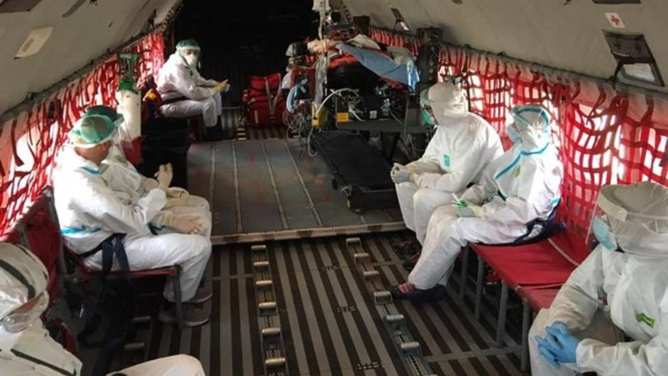 Traslado en avión del Ejército