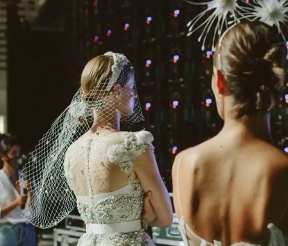 Hombreras vintage, faldas de vértigo y tonos plata, si te casas, atenta a la Bridal