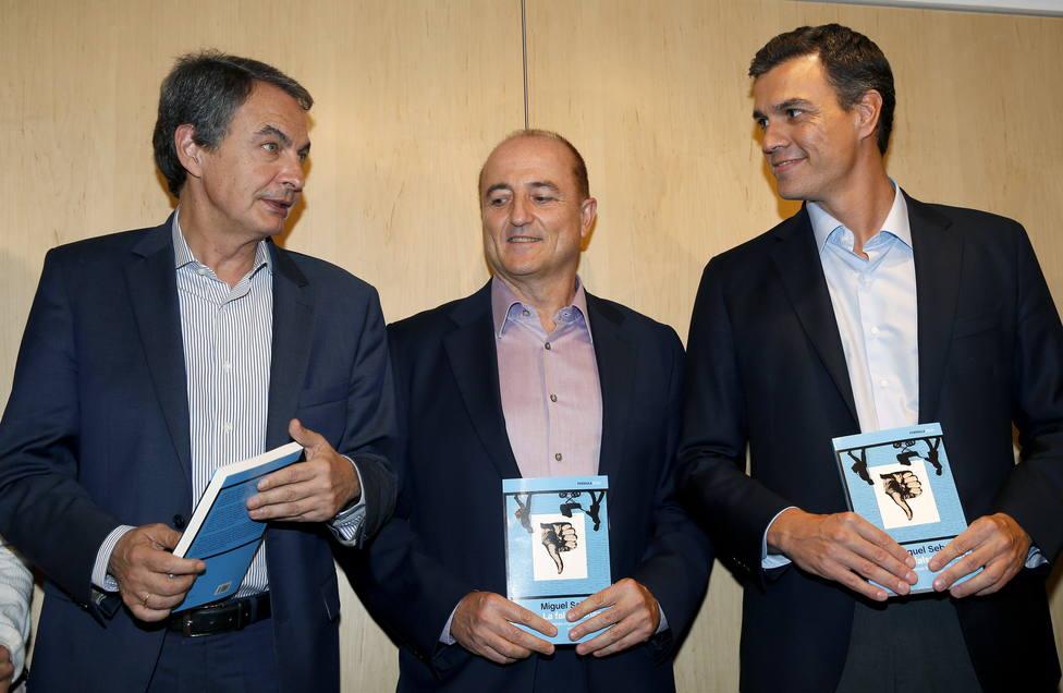 Un exministro de Zapatero estalla por las bromitas de Fernando Simón: Si este es el motivo de risas...