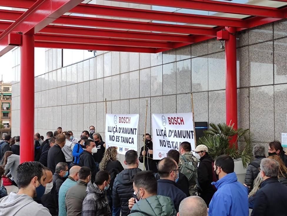 Trabajadores de la planta de Bosch en Lliçà dAmunt se concentran en Barcelona - Europa Press