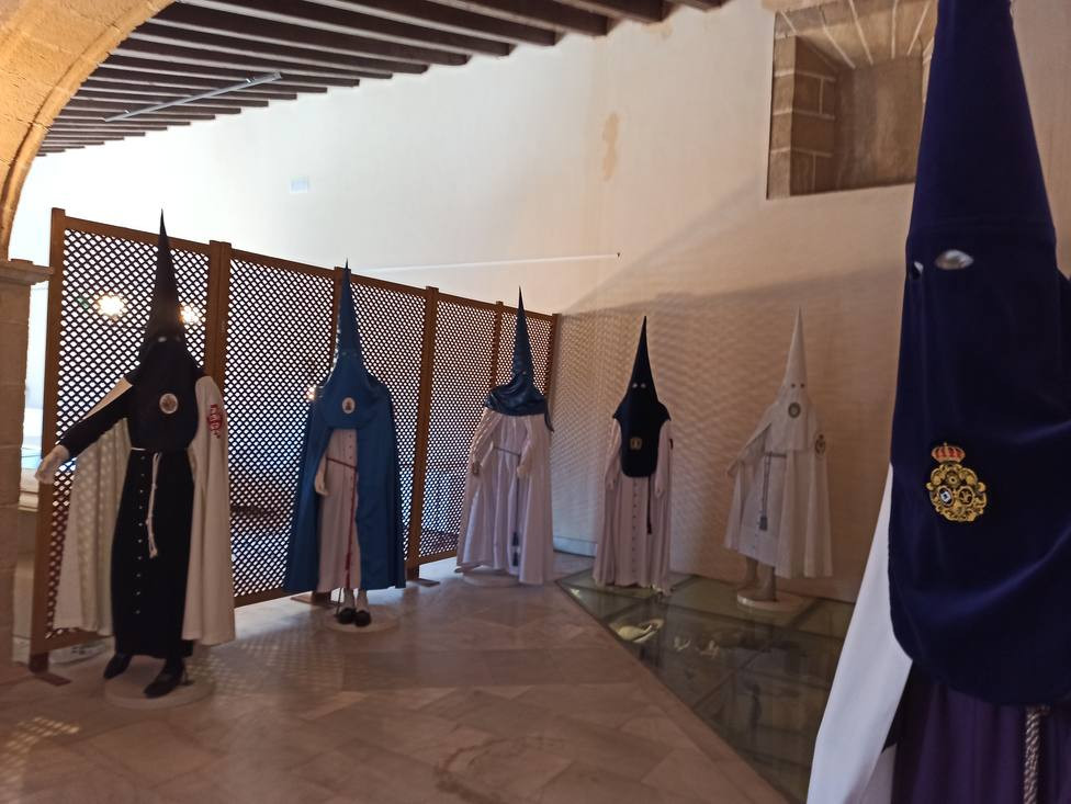 Exposición Cofradias, la huella del tiempo en Jerez