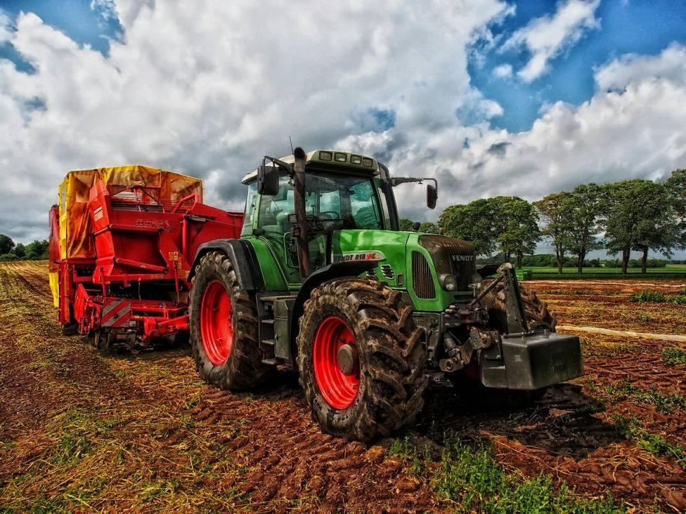 Un granjero belga modifica la frontera de su país con Francia: necesitaba pasar con el tractor