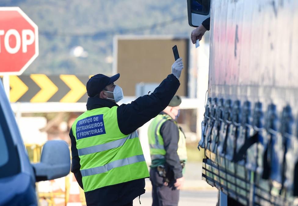 España no exigirá una prueba PCR en la frontera terrestre con Portugal