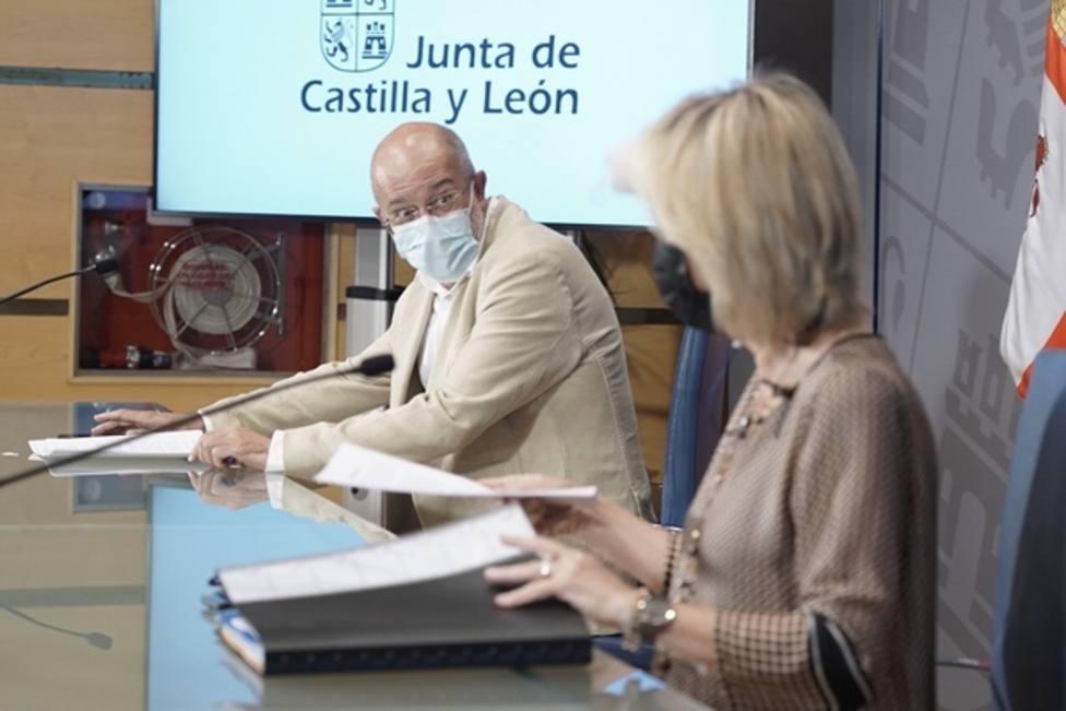 Castilla y León endurece las medidas a la hostelería y recomienda aplicar el toque de queda