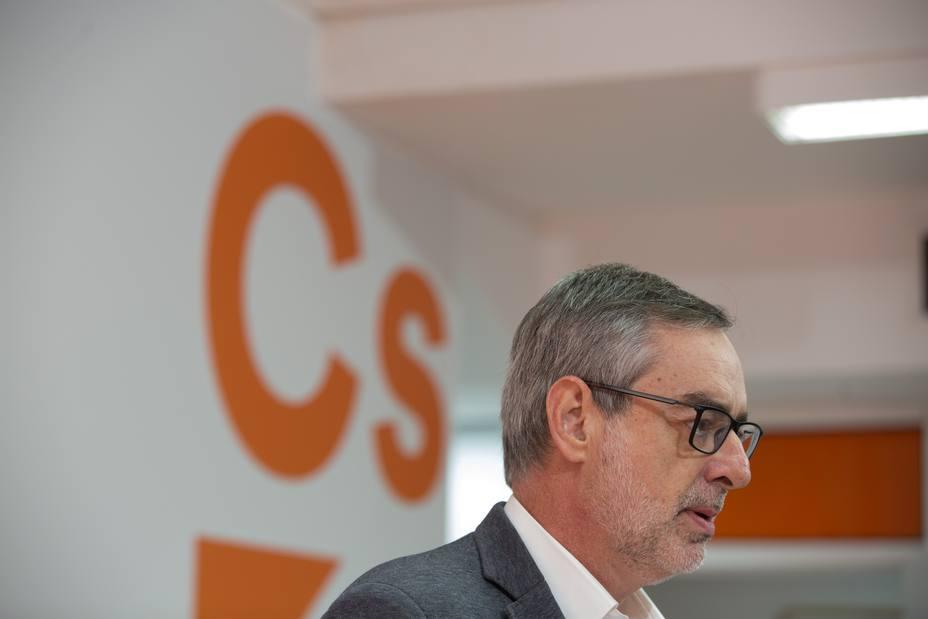 AMPL.- Cs pide al PSOE y al PP que no bloqueen un gobierno limpio de Cs para Andalucía