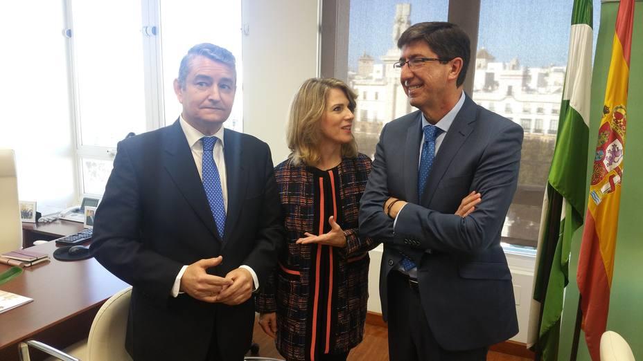 Juan Marín visita la delgación del Gobierno de la Junta en Cádiz