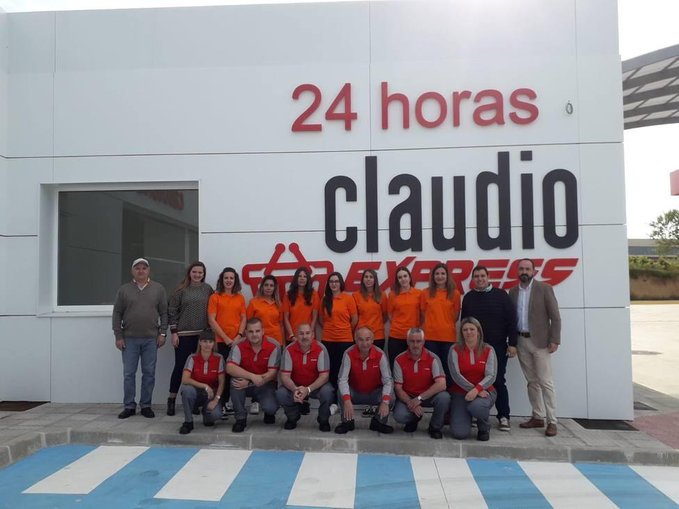 Gadisa inaugura en un estación de servicio del Bierzo un Claudio Express que abrirá los 365 días del año