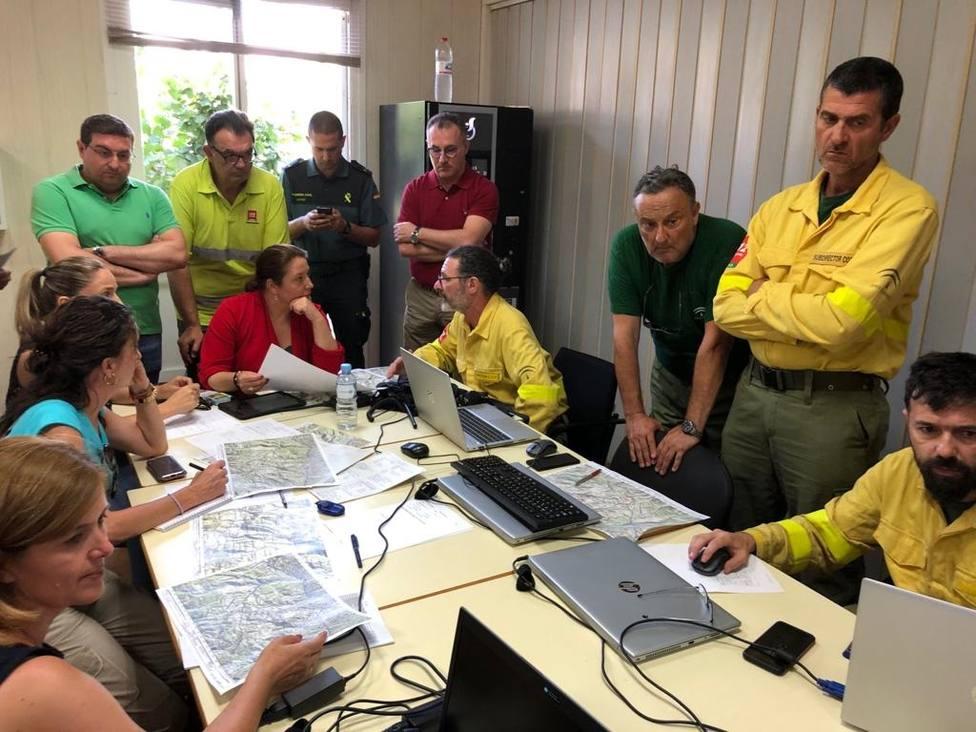 El fuego en Terque (Almería) arrasa 1.600 hectáreas y afecta a otros cinco municipios en su fase crítica